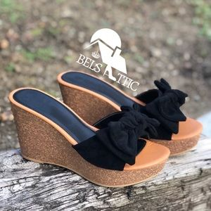 Shoes - Vegan suede Bow Wedge Sandals